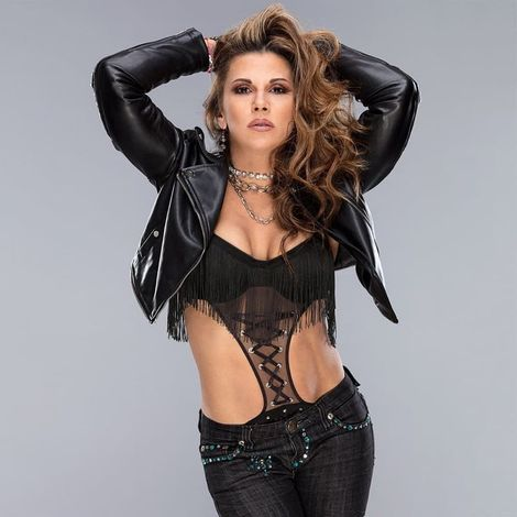 Mickie James – Bio, Age, Height, Net Worth, Personal Life